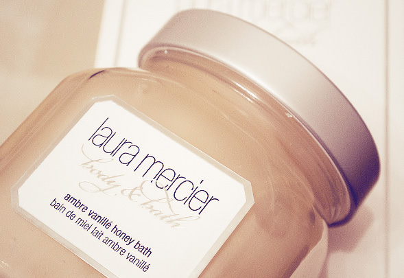 laura-mercier-ambre-vanille-honey-bath-1-camerabag-copy